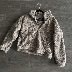 Abercrombie and Finch Sherpa fleece pullover